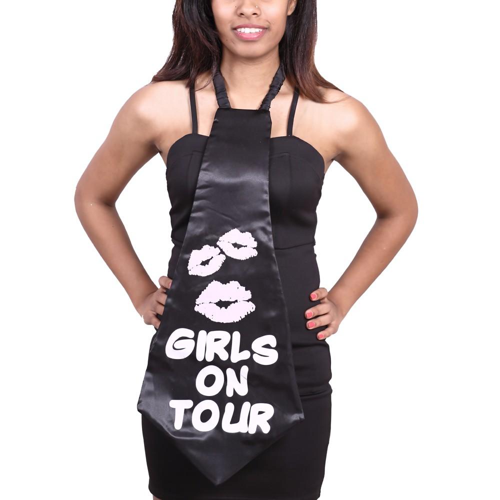 Large Girls on Tour Tie